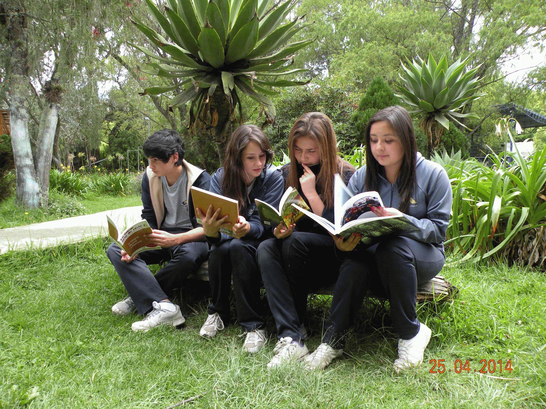 Día Mundial del Libro - Mediante un intercambio de libros, todos los alumnos festejaron el Día del Libro.